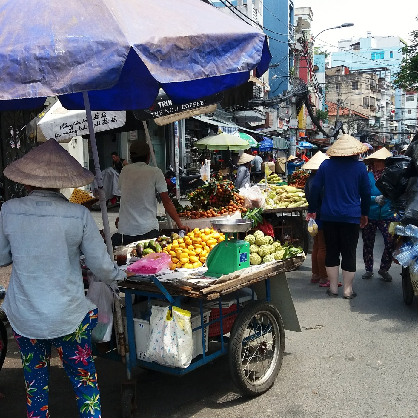 4 months in Vietnam! My job, rent, and the life I can afford here